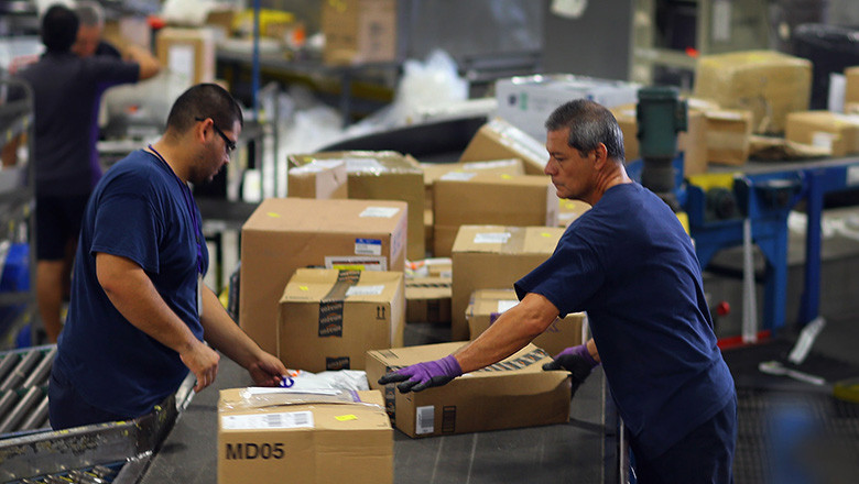 "Fed-Ex Names December 10th ""Busiest Day"" In Its History"