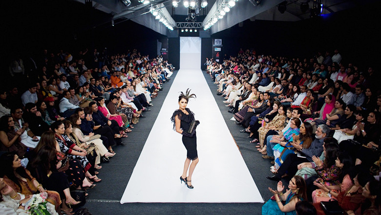 Pakistan's Elite Attend Fashion Pakistan Week